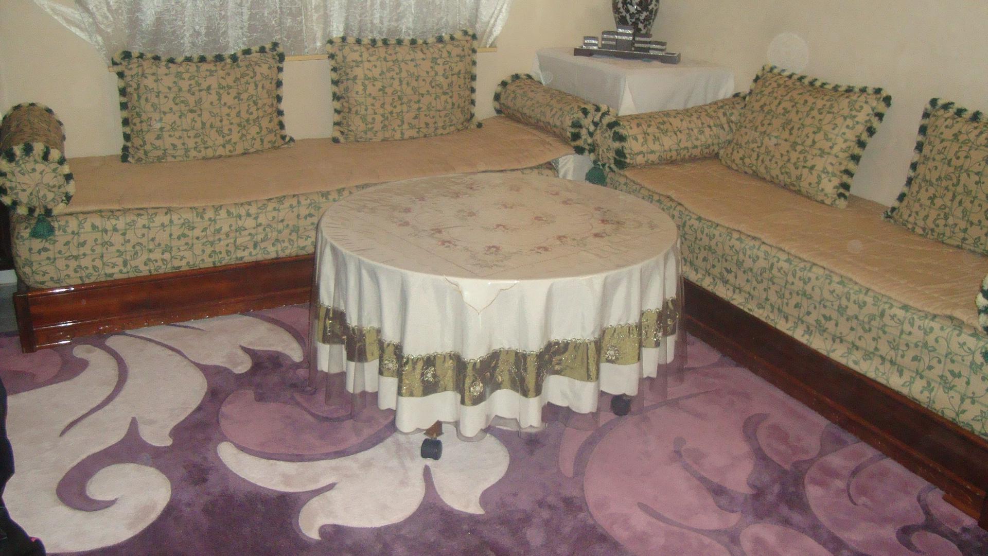 vend salon marocain prix 800 poissy france. Black Bedroom Furniture Sets. Home Design Ideas